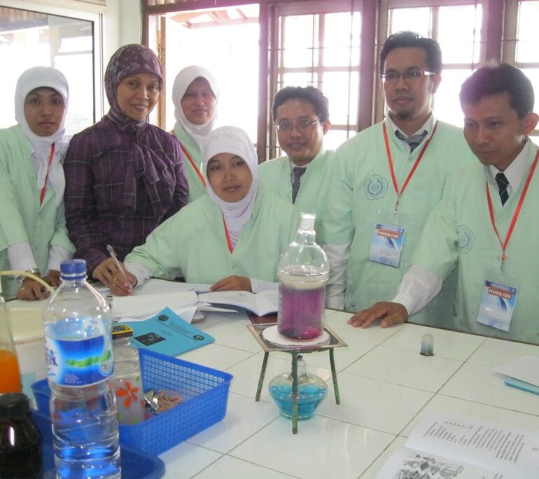 Jangan Menghapalkan Rumus Kimia, Begini Cara Menguasai Penyelesaian Soal Kimia