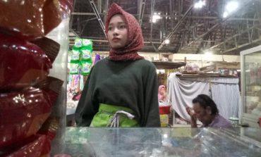 Ternyata,  Ada Pedagang manis di Pasar Tegalgondo
