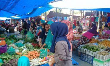 Uniknya Pasar Yang Hanya Ada Pada Hari Senin Saja