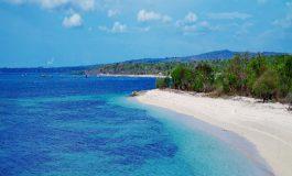 Pesona Pantai Tablolong Memang Bukan Kaleng-Kaleng