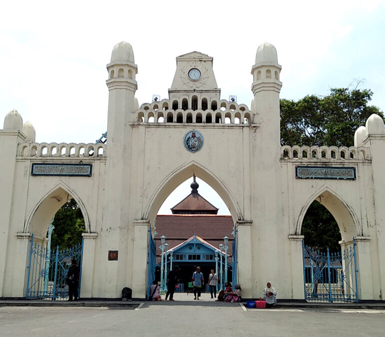 Akulturasi Budaya Masjid Agung Surakarta