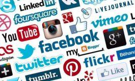 Memanfaatkan media Internet (Siber)