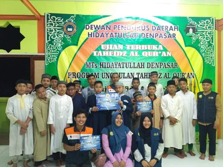 Tebar Kebaikan di Bulan Suci Ramadhan, Madrasah Relawan Bali Bagi Paket Ifthor