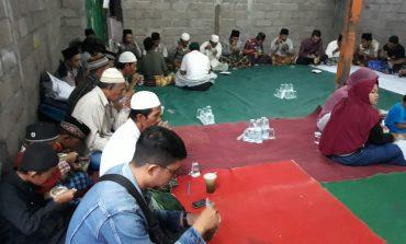 Komunitas Ketimbang Ngemis Bali Buka Puasa Bersama  di Pemukiman Buruh Angkut Sampah & Pemulung