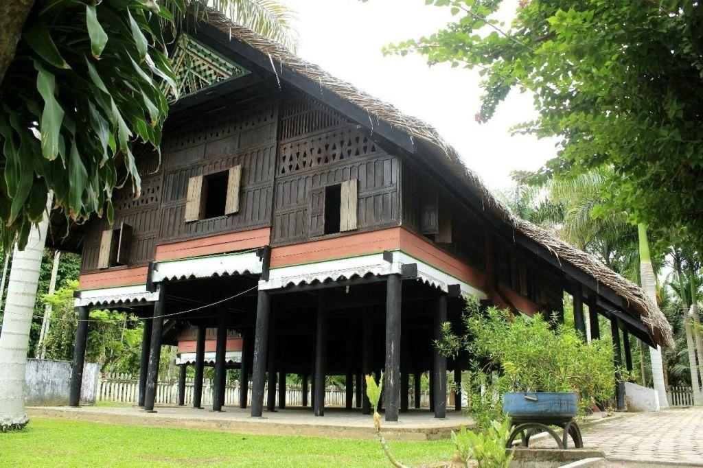 Dari Jumlah Anak Tangga Yang Ganjil Hingga Anti Gempa Berikut 5 Keunikan Rumah Adat Aceh Soloensis